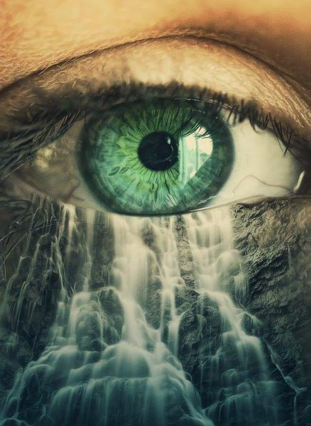 1surreal-image-of-an-eye-forming-a-waterfall_HmoIbyMl0